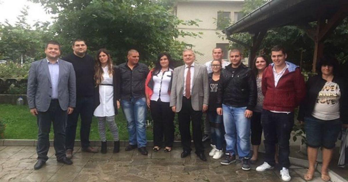 """Младежи от Община """"Марица"""" – Пловдив се присъединяват към ПП АБВ"""